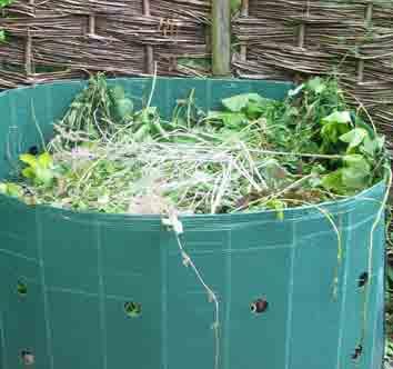 round plastic compost bin
